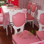 Meja Makan Hello KItty Cantik MJ-MM84