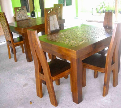 Meja Makan Trembesi Model Koin MJ-MM78